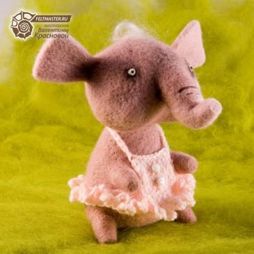 Розовый слонёнок