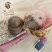 Ёженьки в розовых шубках